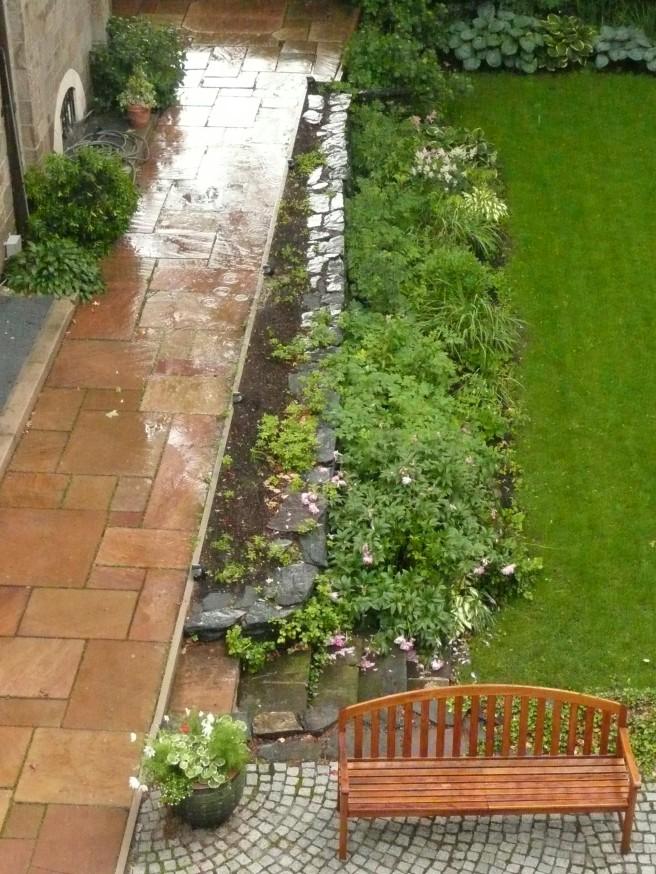 courtyard rain2